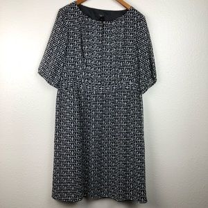 Ann Taylor petite dress with keyhole front